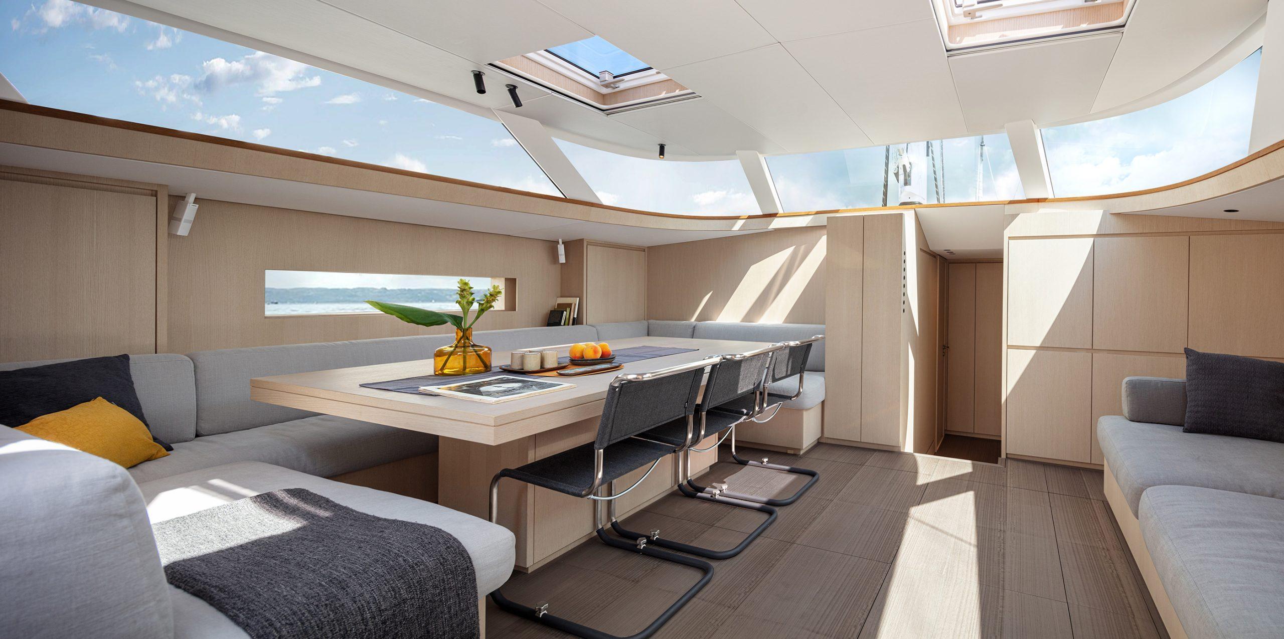 Solaris 80 RS Interior 2